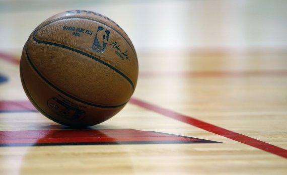 """AFP/""""Scanpix"""" nuotr./NBA krepšinio kamuolys"""