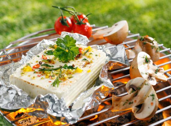 Shutterstock nuotr./Ant grotelių keptas sūris