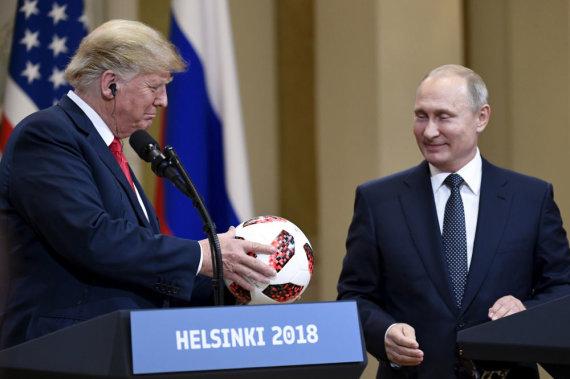 """""""Scanpix""""/""""Sipa USA"""" nuotr./Donaldo Trumpo ir Vladimiro Putino susitikimas Helsinkyje"""