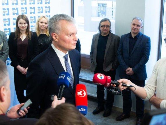 Ž.Gedvilos nuotr. /Gitanas Nausėda ir Mindaugas Kubilius (pirmasis dešinėje)