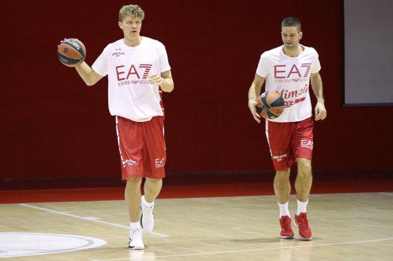 olimpiamilano.com nuotr./Mindaugas Kuzminskas ir Mantas Kalnietis