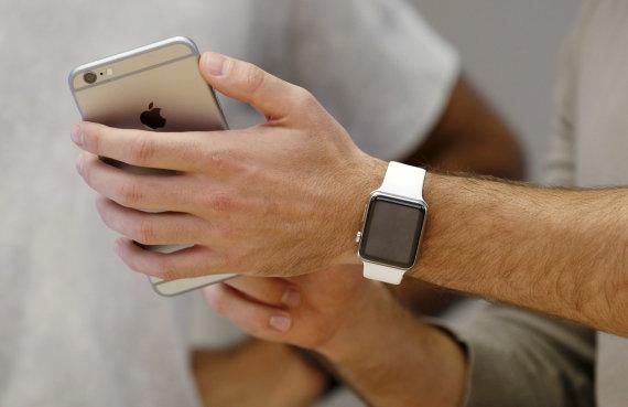 "Scanpix nuotr./""iPhone 6"" ir ""Apple Watch"""