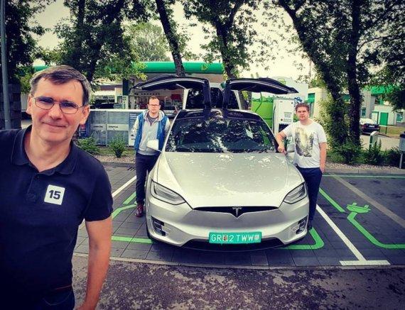 "Žilvino Pekarsko / 15min nuotr./Kelionė ""Tesla Model X"""