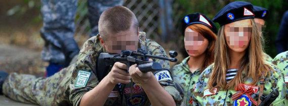 """""""Facebook"""" nuotr./Lietuvos moksleiviai Rusijos karinėje stovykloje """"Sojuz""""."""