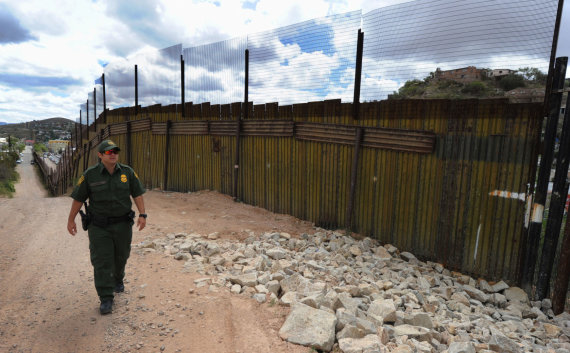 "AFP/""Scanpix"" nuotr./JAV ir Meksikos siena"
