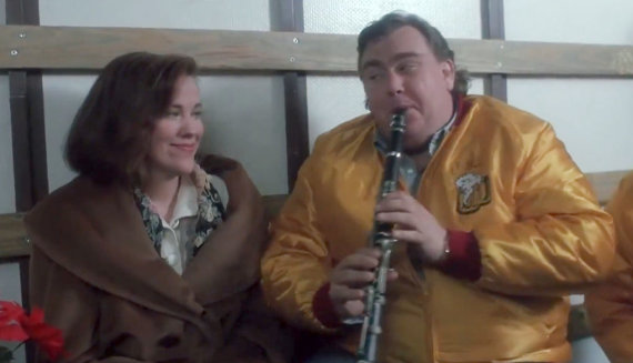 Youtube.com/Catherine O'Hara ir Johnas Candy