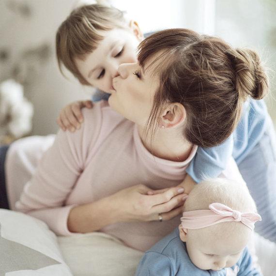 Partnerio nuotr./Laura Mazalienė su dukromis