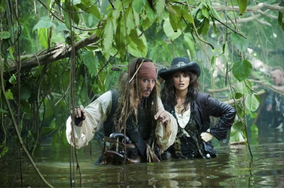 """""""Reuters""""/""""Scanpix"""" nuotr./Johnny Deppas ir Penelope Cruz filme """"Karibų piratai: ant keistų bangų"""""""