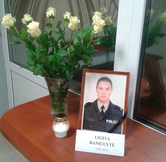Įvykio liudininkų nuotr./Girtas vilkiko vairuotojas mirtinai sužalojo jauną pareigūnę