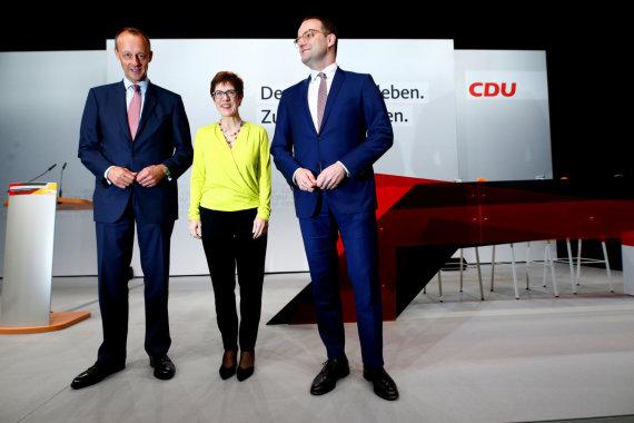 """Reuters""/""Scanpix"" nuotr./Friedrichas Merzas, Annegret Kramp-Karrenbauer ir Jensas Spahnas (iš kairės)"