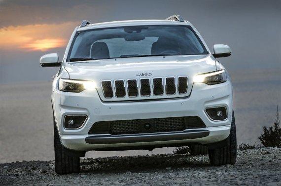 """Gamintojo nuotr./""""Jeep Cherokee"""""""