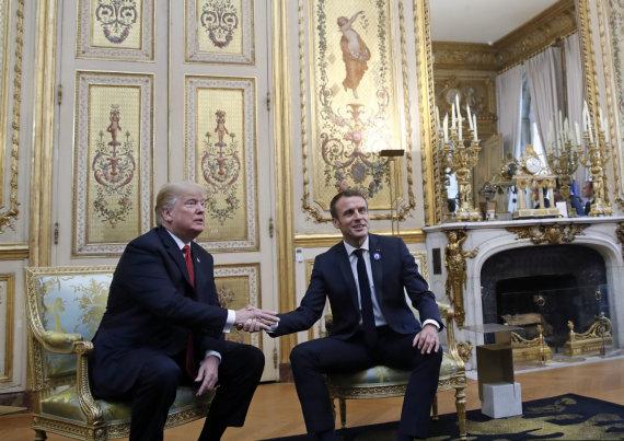 """""""Scanpix""""/AP nuotr./Donaldas Trumpas ir Emmanuelis Macronas"""