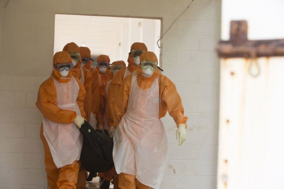 """Reuters""/""Scanpix"" nuotr./Ebolos viruso protrūkio vietoje"