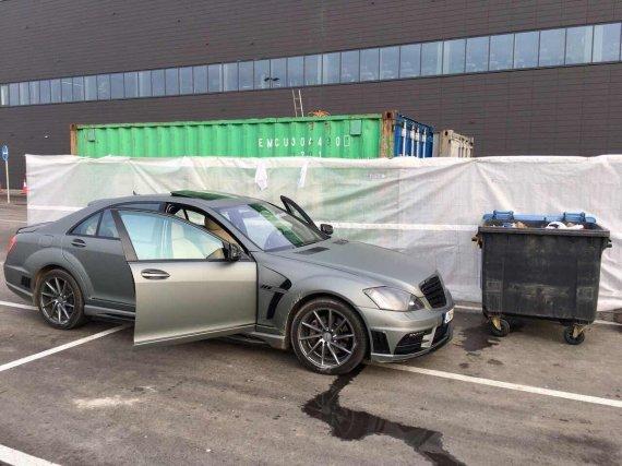 """Kauno apskrities VPK nuotr./Sulaikytojo automobilis """"Mercedes-Benz 550"""""""