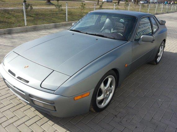 Autoplius.lt/Porsche 944 Turbo
