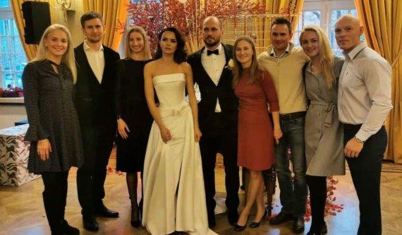 Socialinių tinklų nuotr./Justino Kinderio ir Renos Saribekian vestuvių akimirka