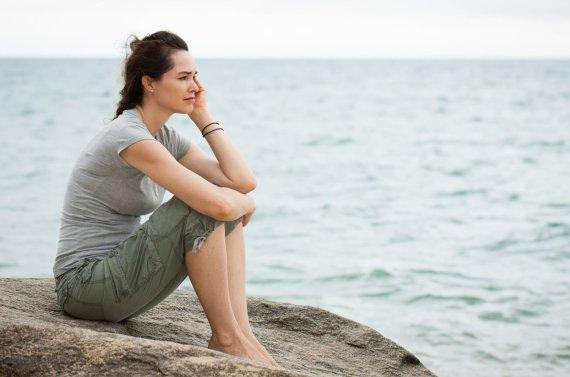 123RF.com nuotr./Susimąsčiusi moteris