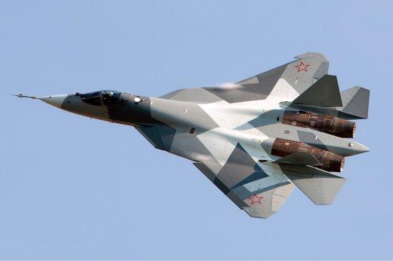 "Alekso Beltiukovo/ ""Wikipedia.org"" nuotr. /Sukhoi Su-57 PAK-FA naikintuvas"