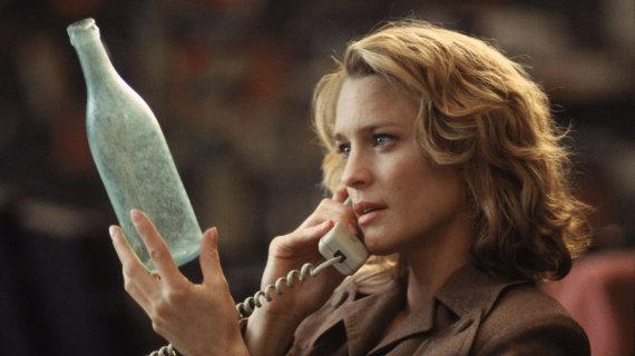 """Kadras iš filmo/Robin Wright filme """"Žinutė butelyje"""" (1999 m.)"""