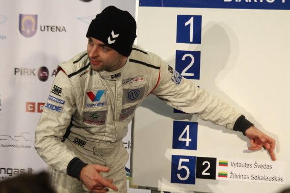"""Tomo Markelevičiaus nuotr./""""Halls Winter Rally 2015"""" starto pozicijų pasirinkimas"""