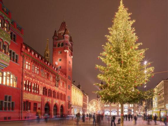 basel.com nuotr./Kalėdų eglė Bazelyje