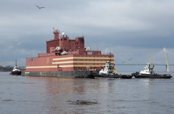 """""""Reuters""""/""""Scanpix"""" nuotr./Plaukiojanti atominė elektrinė """"Akademik Lomonosov"""""""