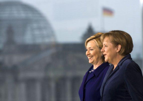 "AFP/""Scanpix"" nuotr./Hillary Clinton ir Angela Merkel"