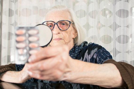 123RF.com nuotr./Senatvėje didelę dalį pensijos tenka skirti vaistams