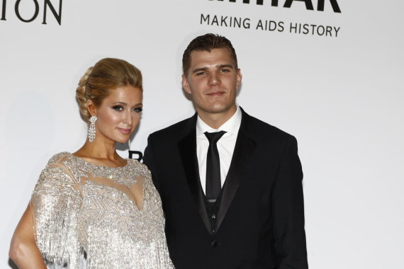 Vida Press nuotr./Paris Hilton ir Chrisas Zylka