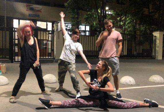 """""""Twitter"""" nuotr./Į laisvę paleisti """"Pussy Riot"""" aktyvistai"""