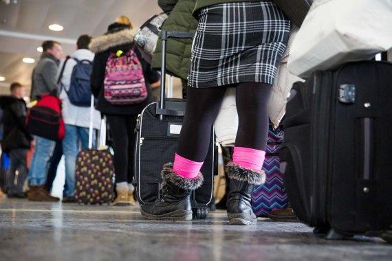 """Irmanto Gelūno / 15min nuotr./Įsigaliojo nauja rankinio """"Ryanair"""" bagažo gabenimo tvarka"""