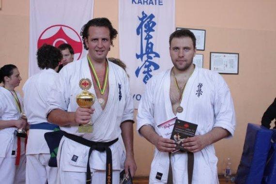 Andrius Čelkis (kairėje) 2010 metais