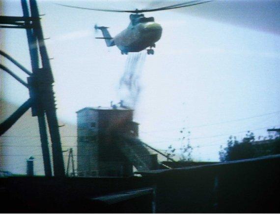 """""""Scanpix""""/""""SIPA"""" nuotr./Degančios Černobylio atominės elektrinės gesinimas"""
