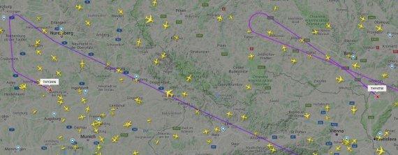 """flightradar24.com iliustr./""""Turkish Airlines"""" lėktuvai sukosi vidury skrydžių po paskelbto """"Boeing MAX 8"""" draudimo"""