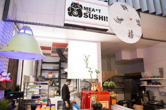 "Josvydo Elinsko / 15min nuotr./Japoniško maisto taškas ""Meat the Sushi"""