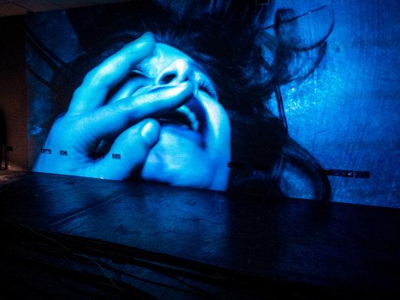 """Tomo Ivanausko nuotr./Oskaro Koršunovo spektaklis """"Pasikėsinimai į jos gyvenimą"""""""