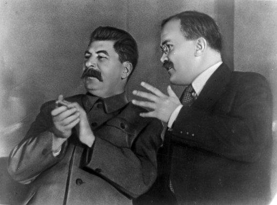 """""""Scanpix"""" nuotr./Josifas Stalinas ir Viačeslavas Molotovas"""
