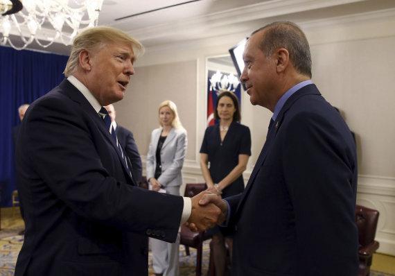"""Scanpix""/AP nuotr./Donaldas Trumpas ir Recepas Tayyipas Erdoganas"