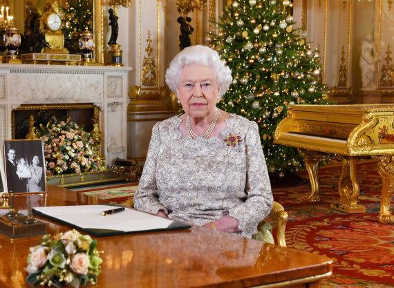 """""""Reuters""""/""""Scanpix"""" nuotr./Britanijos karalienė Elizabeth II kalėdinėje kalboje linkės ramybės"""