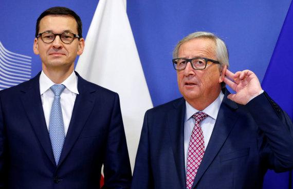 """Reuters""/""Scanpix"" nuotr./Mateuszas Morawieckis ir Jeanas-Claude'as Junckeris"