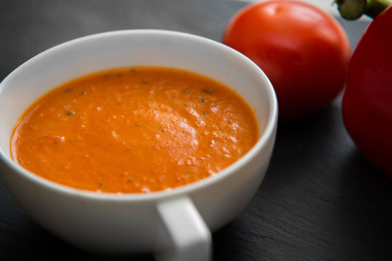 Vida Press nuotr./Pomidorų ir paprikų sriuba
