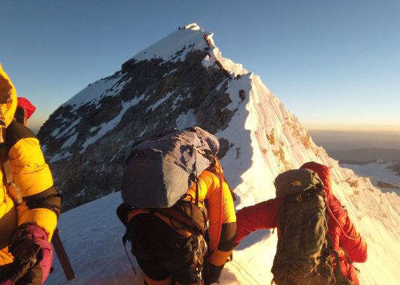 """Reuters""/""Scanpix"" nuotr./Spūstys ant Everesto"