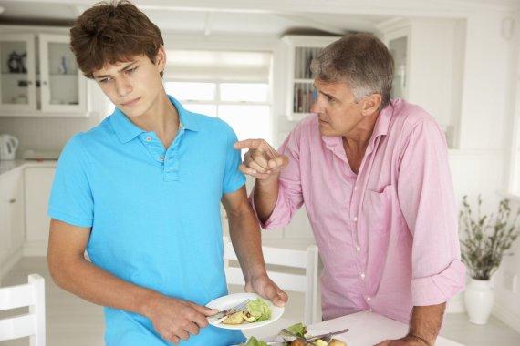 123RF.com nuotr./Tėvas ir sūnus
