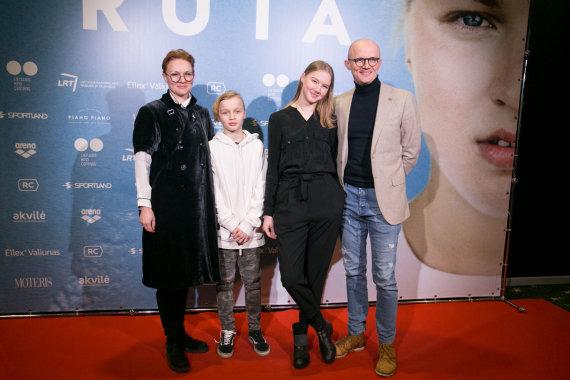 Juliaus Kalinsko / 15min nuotr./Edmundas Jakilaitis su šeima