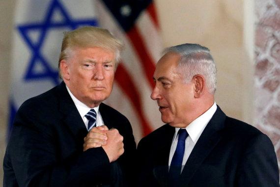 """""""Reuters""""/""""Scanpix"""" nuotr./Donaldas Trumpas ir Benjaminas Netanyahu"""