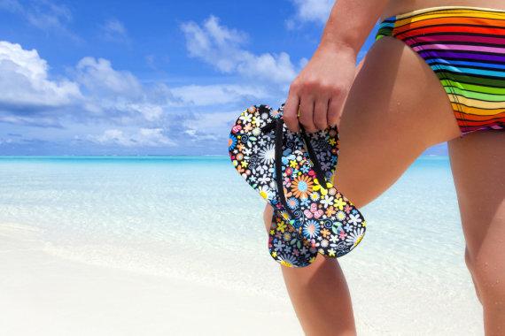 Shutterstock nuotr./Mergina paplūdimyje