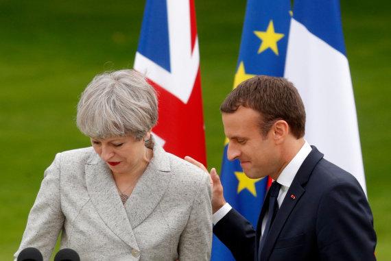 """Reuters""/""Scanpix"" nuotr./Theresa May ir Emmanuelis Macronas"