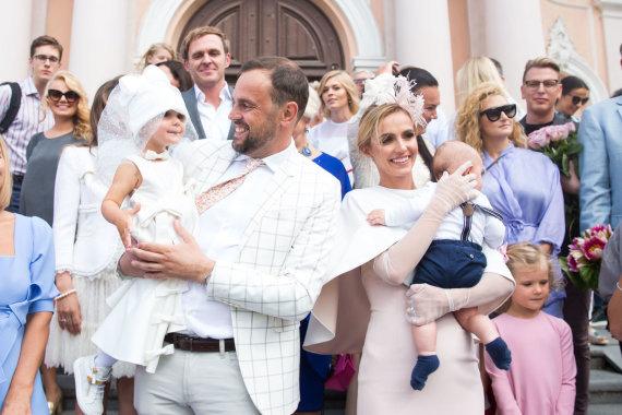 Luko Balandžio / 15min nuotr./Indrė ir Jogaila Morkūnai su vaikais