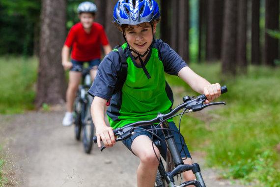 123RF.com nuotr./Vaikai su dviračiais
