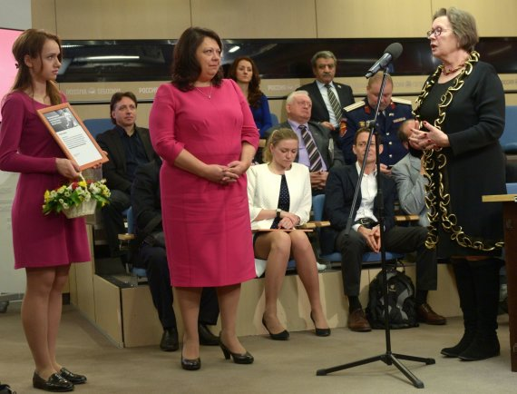 """Scanpix""/""RIA Novosti"" nuotr./Galina Sapožnikova (centre)"